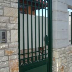 Project profili andria finestre in pvc - Cancelletto in ferro battuto ...